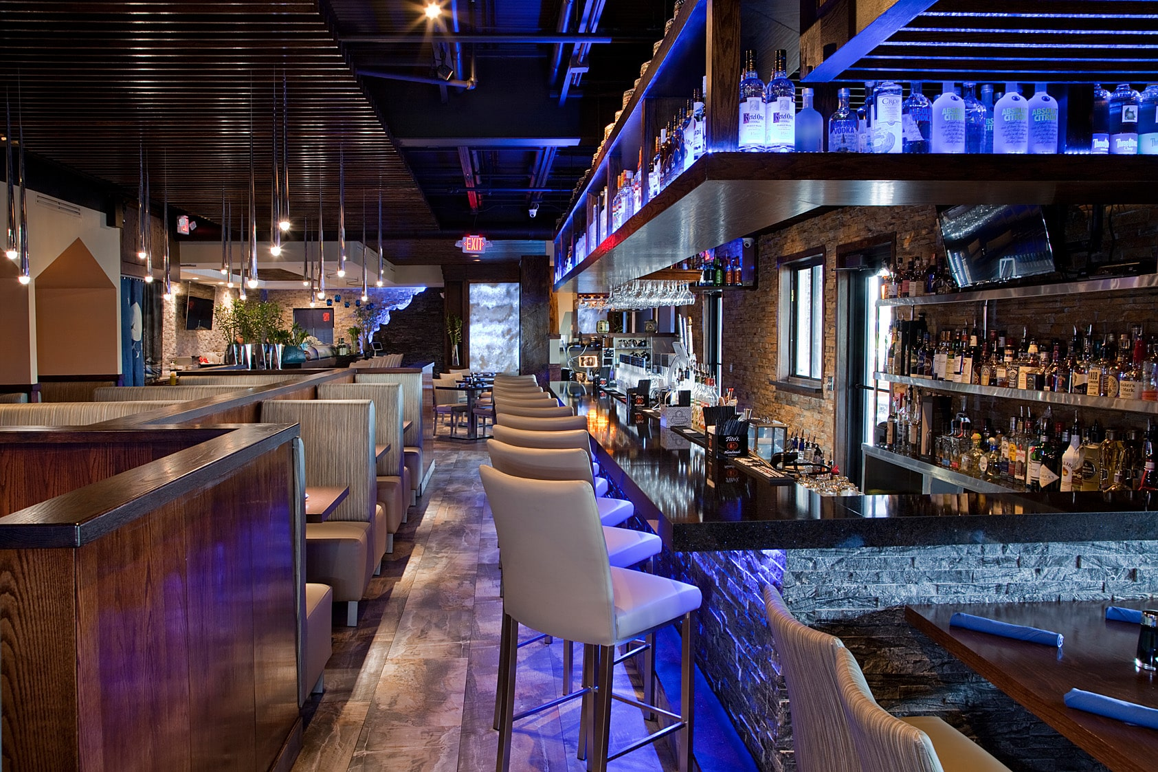 rise-sushi-boca-raton-main-dining-room-and-bar