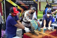 Puluhan Knalpot Hasil Razia Balap Liar Digergaji, Operasi Terus Lanjut