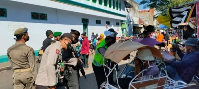 Galakkan Prokes Covid-19, Polres Lumajang Masuk ke Pemukiman Warga