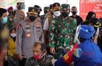 Pelaksanaan Vaksinasi di Kabupaten Kediri Ditinjau Kapolri dan Panglima TNI