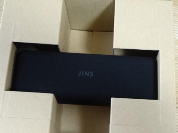 JINSの箱