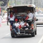 タイの過積載トラック