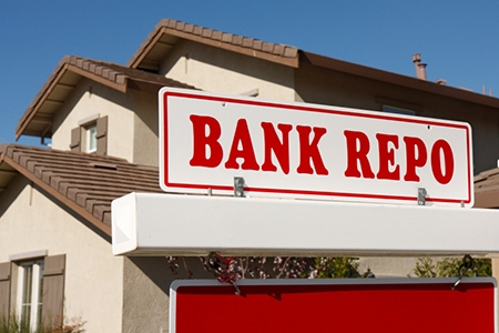 REO_bank_repo_sign