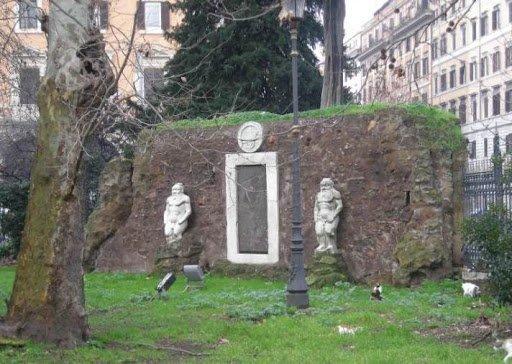 Porta alchemica di villa Colombara