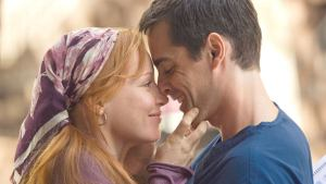 'Loving Leah' (2009) - Unconventional Love Story. A review of the Hallmark Hall of Fame TV film Loving Leah with Adam Kaufman. Text © Rissi JC