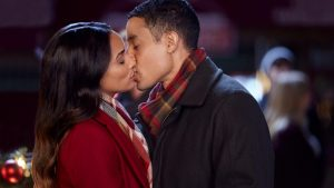 'A Christmas Tree Grows in Colorado': Enjoy a Fun Romance with Good Tropes. Rochelle Aytes co-stars with Mark Taylor in this 2020 film. © Rissi JC