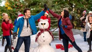'Meet Me at Christmas' is a Sweet Romance, but Not a Favorite. A review of the Catherine Bell led Hallmark Movies & Mysteries title. Text © Rissi JC