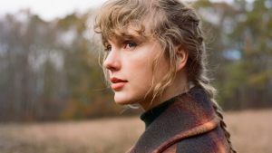 THIS IS THE SOUND OF 'EVERMORE,' THE NEW TAYLOR SWIFT RANKED! Sharing the Taylor Swift Evermore rankings (or how I rank them!). © Rissi JC