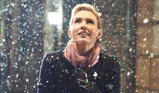 'Valentine's Again': Love Story Goes on Repeat in a Fun Way. A review of the 2017 Hallmark romance with Nicky Whelan. Text © Rissi JC