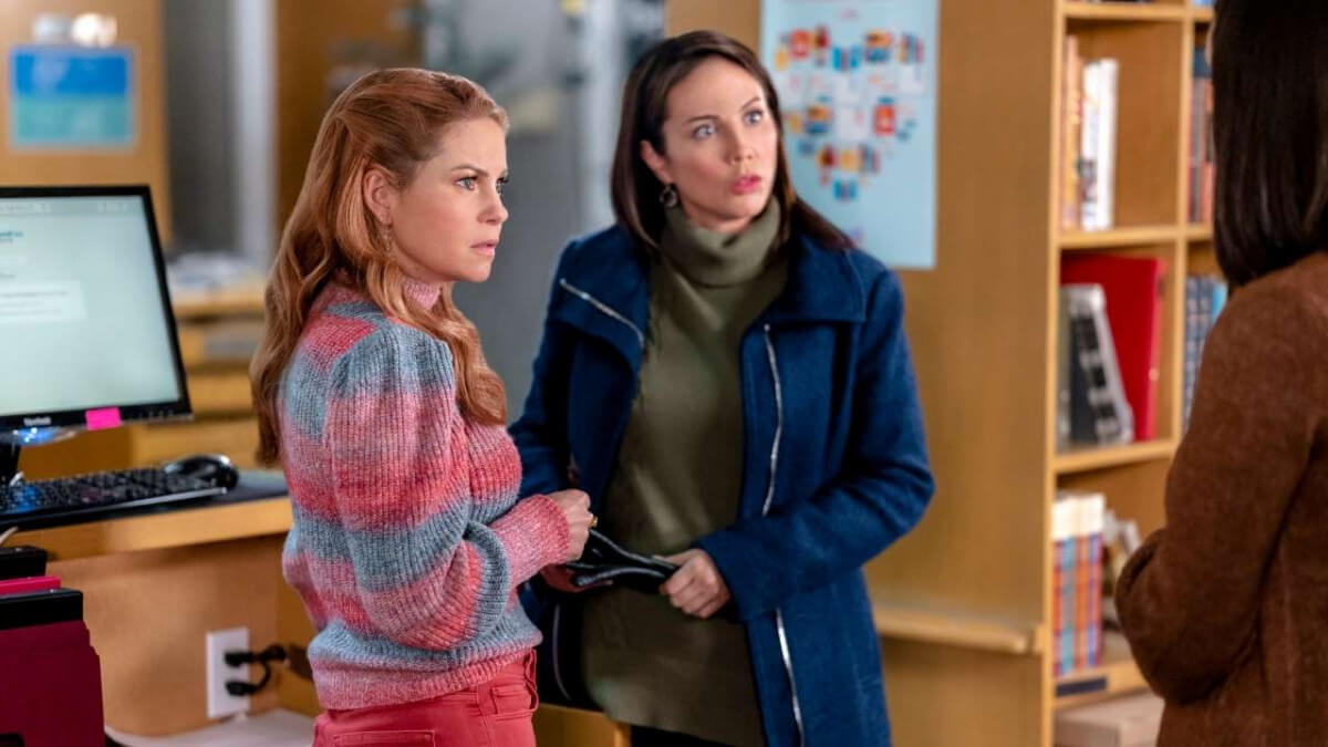 'AURORA TEAGARDEN MYSTERIES: HOW TO CON A CON': THE ONE BEFORE I DO. Before I do, Aurora solves (another!) mystery. All text is © Rissi JC and RissiWrites.com Photo: Hallmark Channel