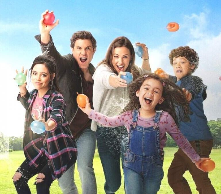 'YES DAY': A FUN FOR EVERYONE (MOSTLY) KIND OF DAY. Review of the Netflix film based on the novel & produced by (and starring) Jennifer Garner. Text © Rissi JC Photo: Netflix