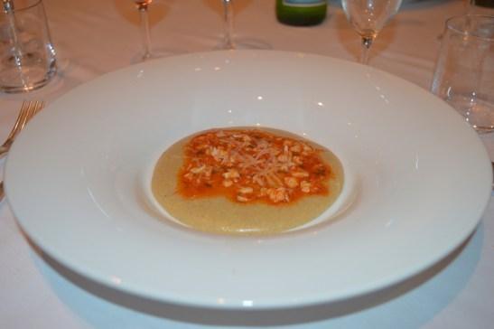 Polentina di grano saraceno con ragù di pesce e pecorino