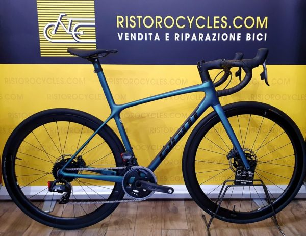 Giant TCR ADVANCED SL DISC 2021 in pronta consegna. ristorocycles Giant Store a Pinerolo, Torino