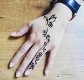 04мехенди на руке фото лёгкие