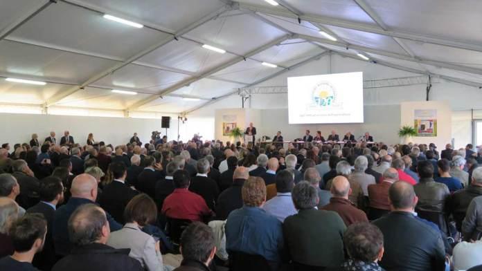 La platea del convegno per i 120 anni del Consorzio Agrario