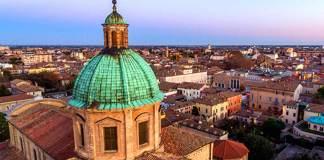 Una panoramica sulla città, dalla cupola del Duomo