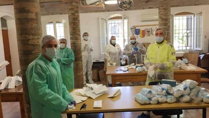 Lo smistamento delle mascherine donate dalla Regione