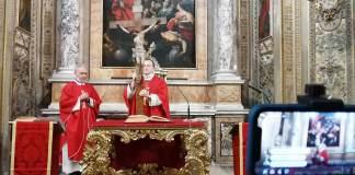 L'adorazione della Croce, Venerdì Santo in Cattedrale
