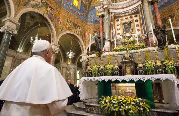 Papa Francesco nel Santuario della Madonna di Pompei
