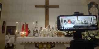Un momento della Messa a Casal Borsetti