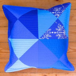 famous blue quilt - almofada