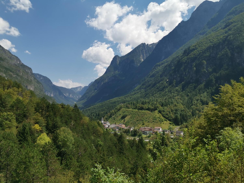 La valle e il paese di Saluzzo visti da Chiout Cali