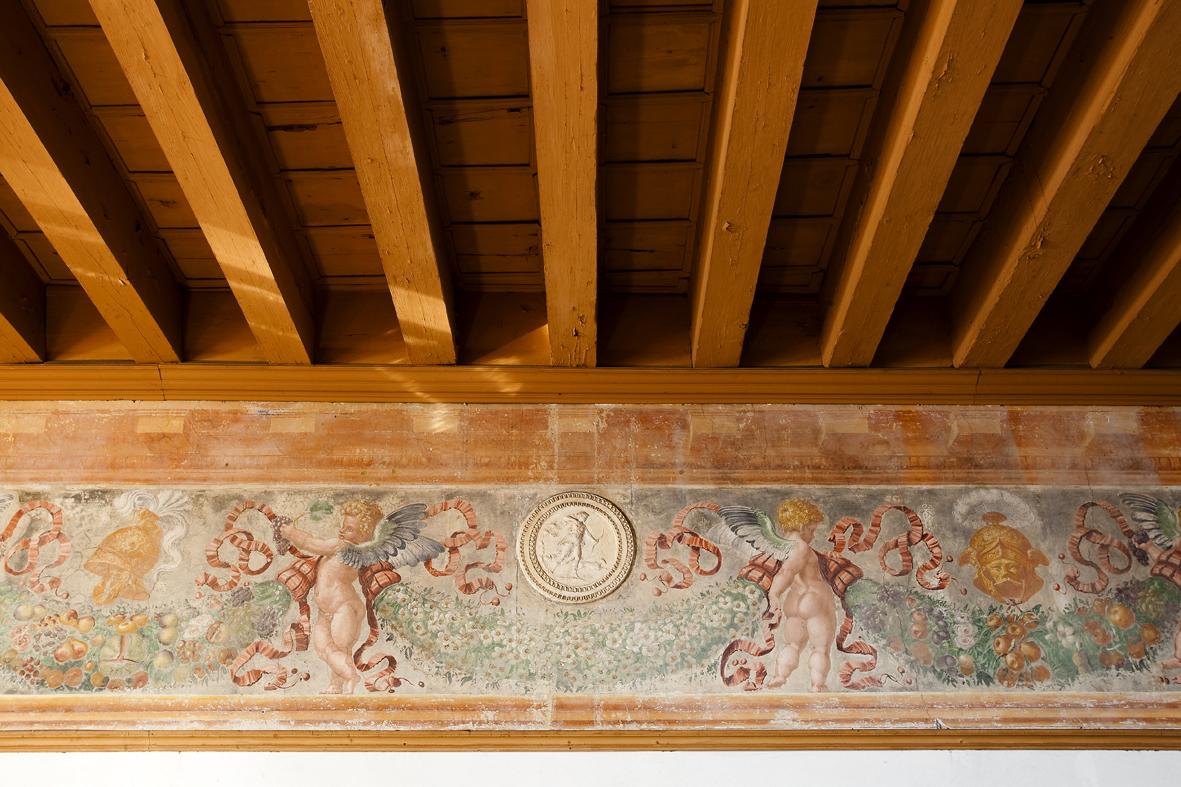 Giovanni da Udine Festone con Diana cacciatrice. Spilimbergo, Castello