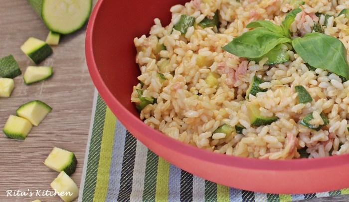 insalata di riso con zucchine e tonno