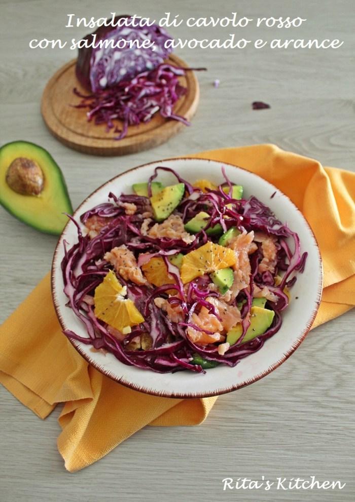 insalata di cavolo rosso con salmone, avocado e arance