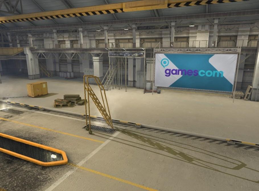 1708_wotb_gamescom2016_hangar