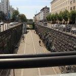 Blick von oben in die Fahrradstraße