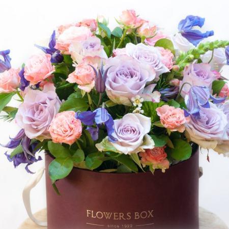 Gyvų gėlių dėžutė (melsvos)