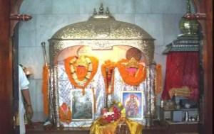 Mahavir idols