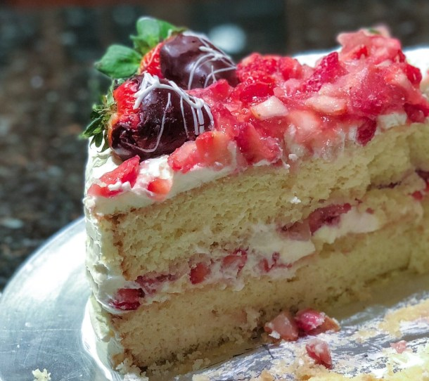 Strawberries & Cream Layer Cake filling