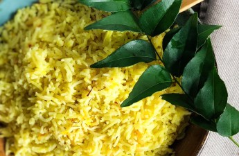 Sri Lankan Saffron Yellow Rice / Kiribath