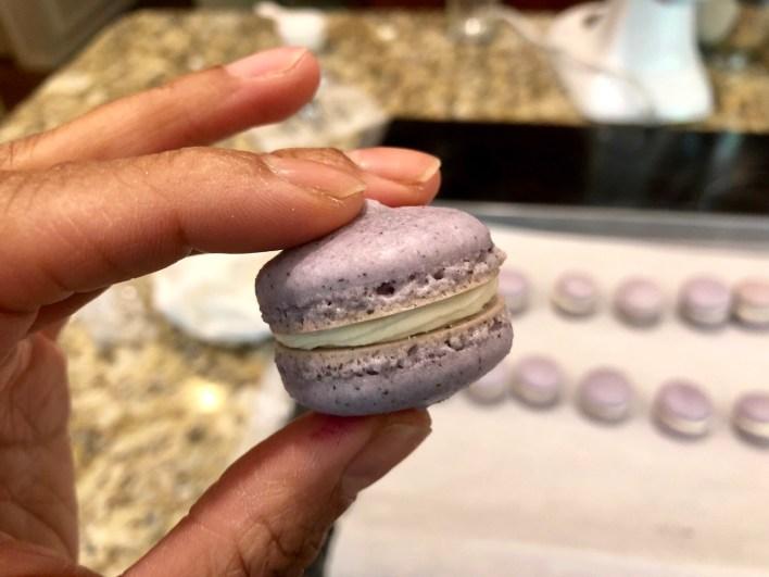 Cream Earl Grey Macaron
