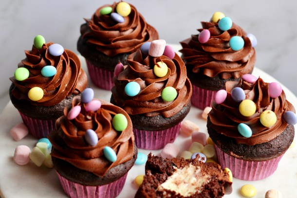 marshmallow filled chocolate cupcakes