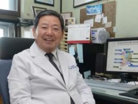 Tim dari Departemen Urologi Rumah Sakit Universitas Nasional Pusan Prof Nam-cheol Park mencapai 1.800 kasus vasektomi