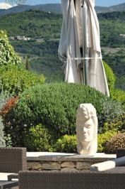 sculpture ceres à hôtel coquillade à gargas