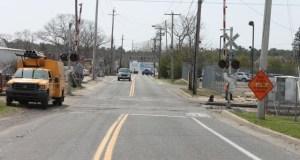 2014 0411 mta work mill road crossing 3