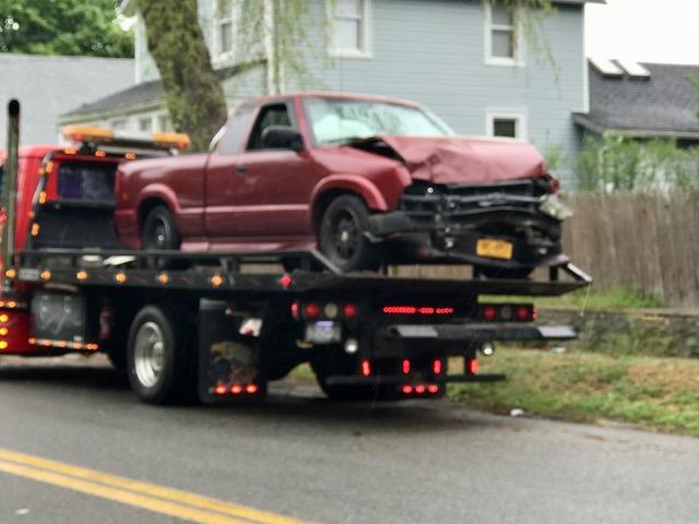 Two hurt in crash on Pulaski Street | RiverheadLOCAL
