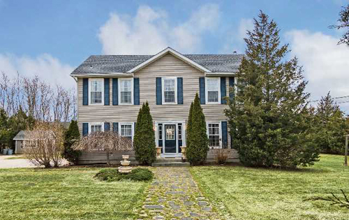 Real-Estate-listings-in-Jamesport-NY