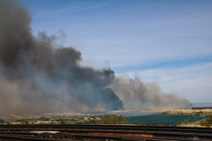 Smoke from the Topock/Pirate Fire rises into the air Wednesday morning. Rick Powell/RiverScene