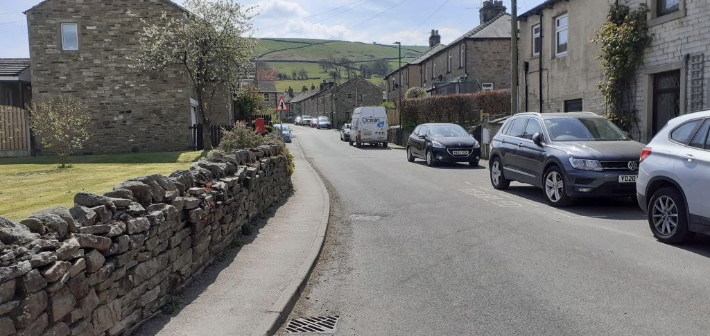 Skipton Road into Cononley Village