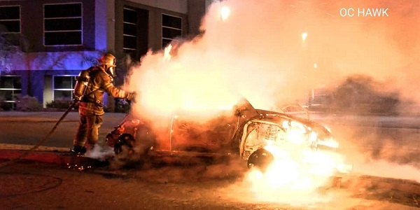 No serious injuries after fiery Perris wreck