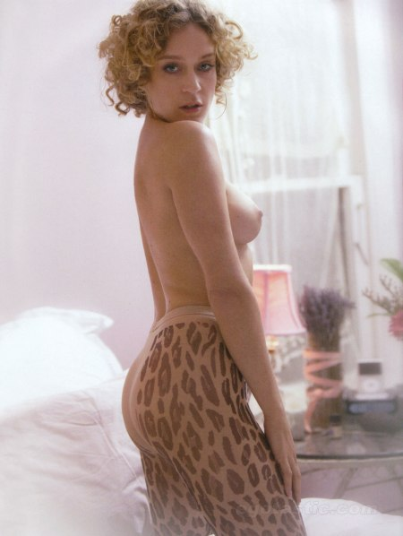 chloe_sevigny_naked_shoot3