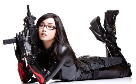 a_girl_with_gun_by_mamattew-d59vghk