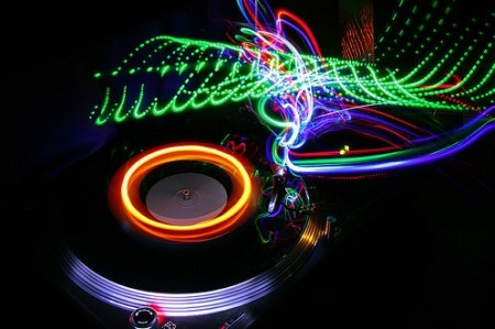 090308_an_neon_turntables