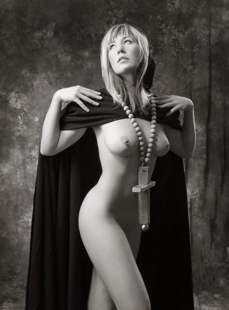 Naked-Nun-piercing