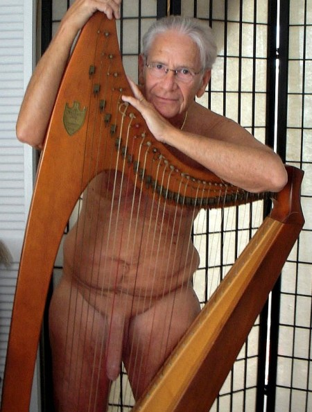 Bitsy and Clive loved to play their harps together every Thursday afternoon.